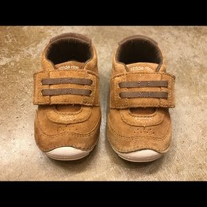 Stride Rite soft motion toddler shoes
